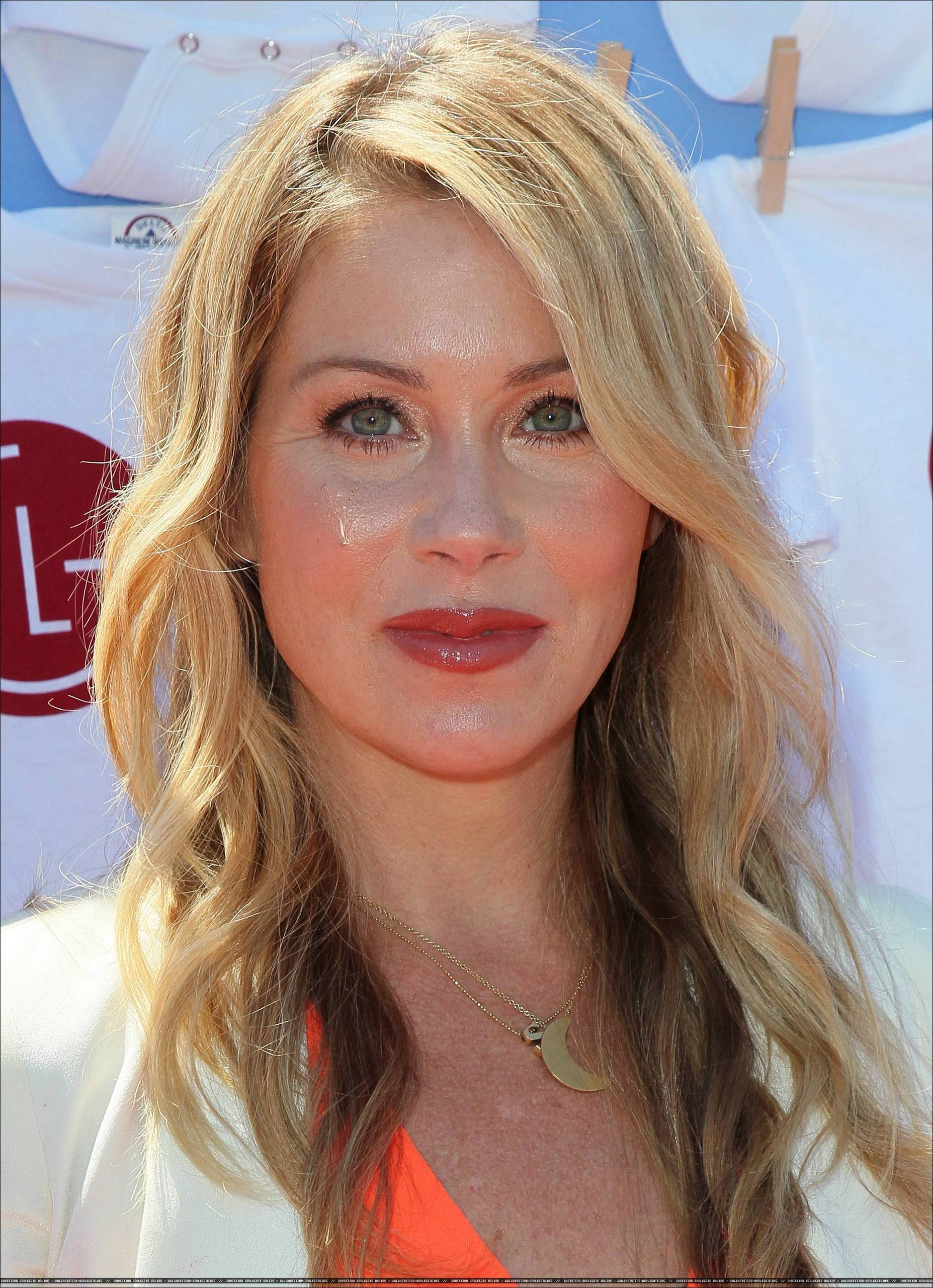 Christina Applegate Wallpapers Images Photos Pictures ... Christina Applegate