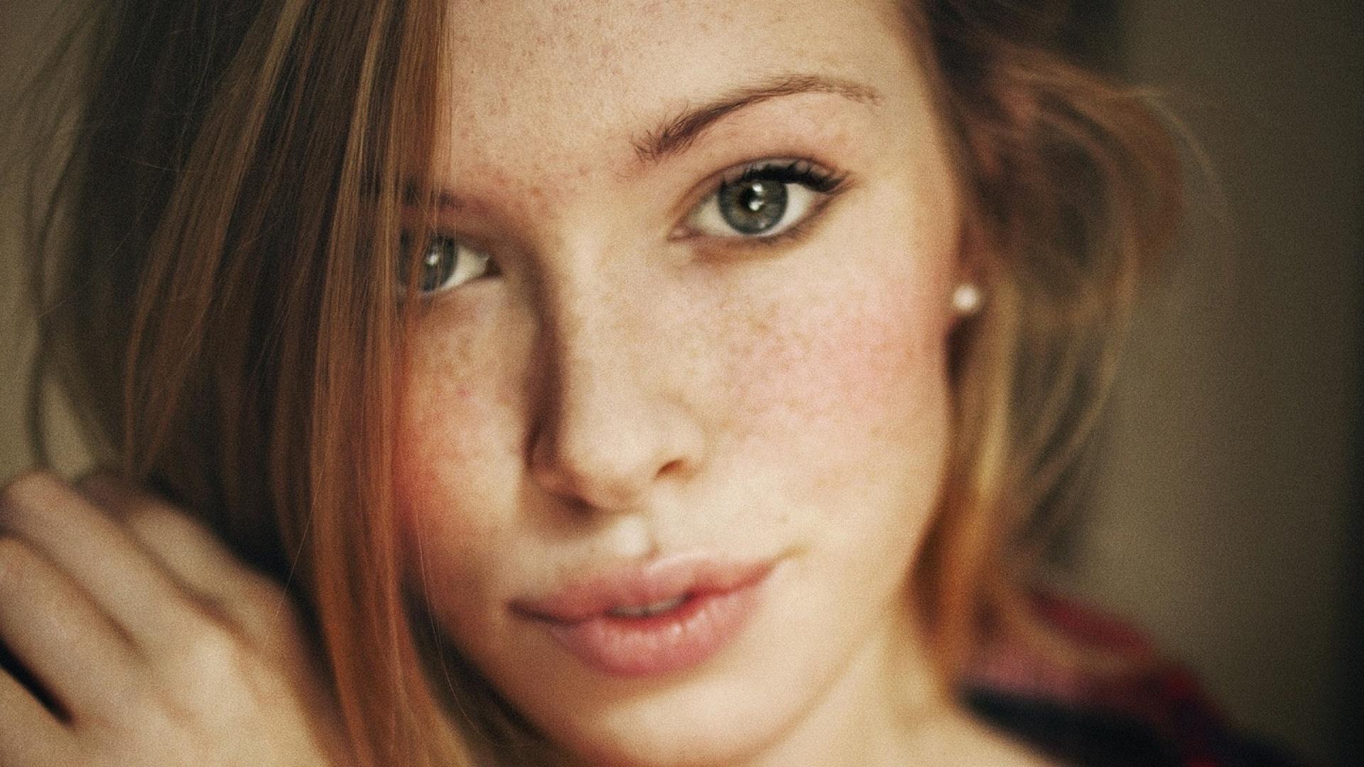 Jenni lee facial