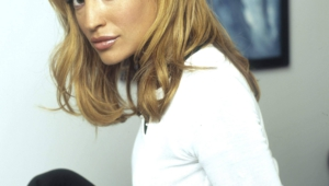 Jolene Blalock Iphone Background