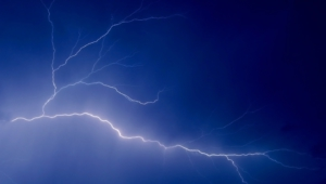 Lightning Full HD