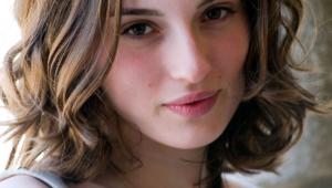 Maria Valverde HD Iphone