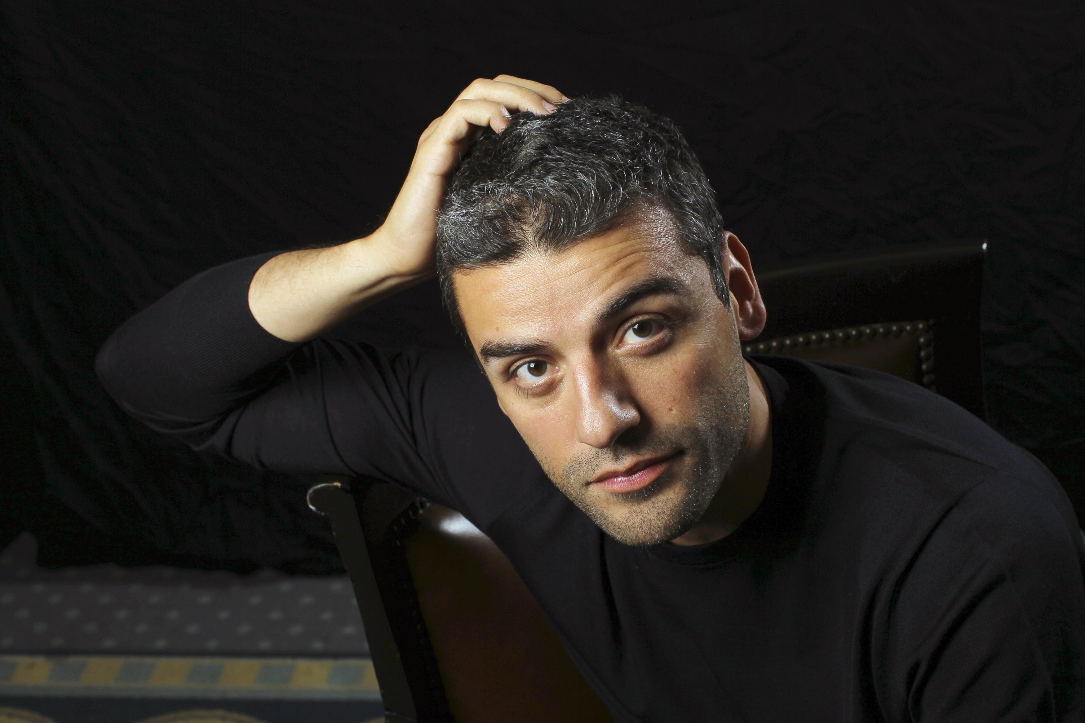 Oscar Isaac Widescreen