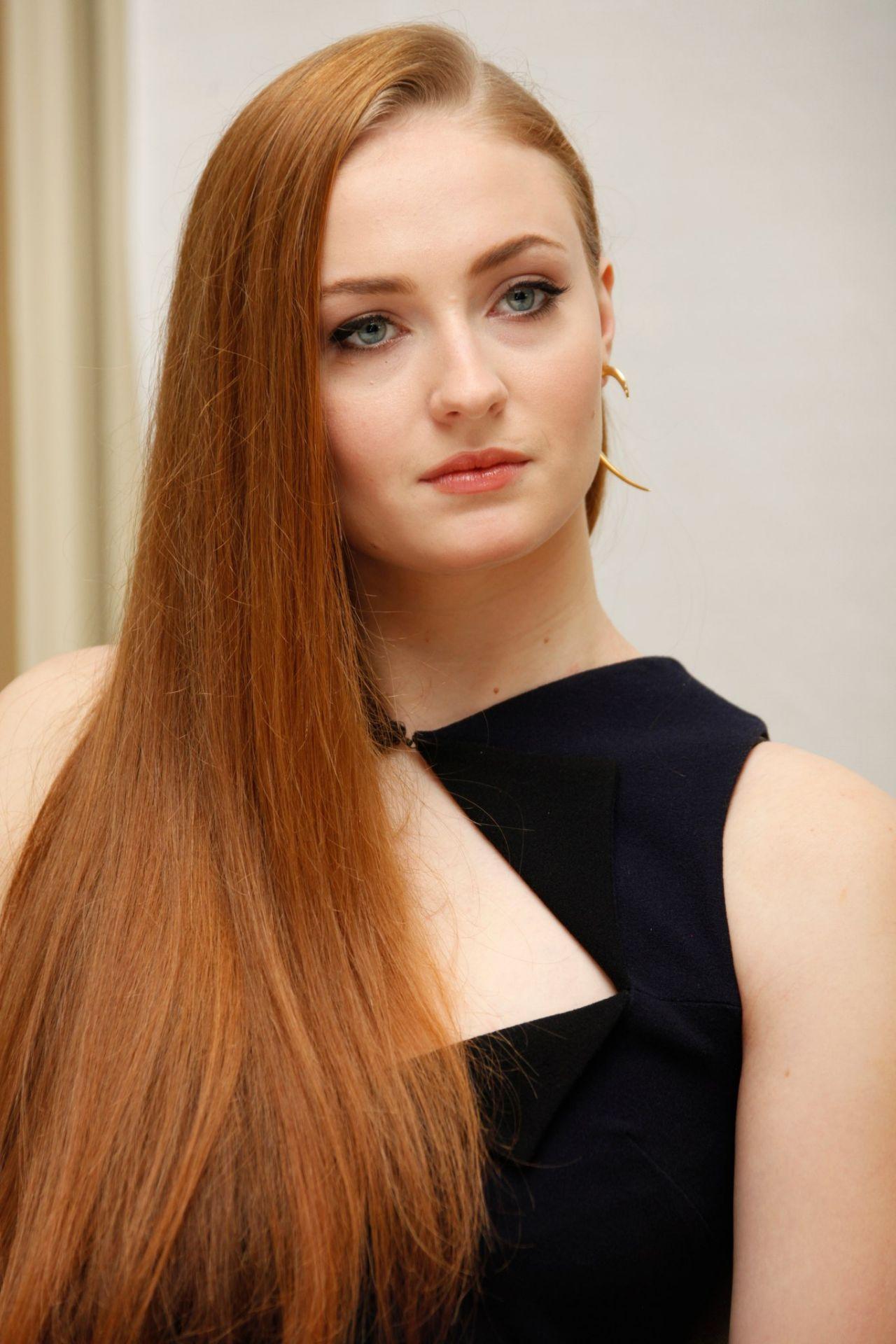 Zoe Hunter Lee