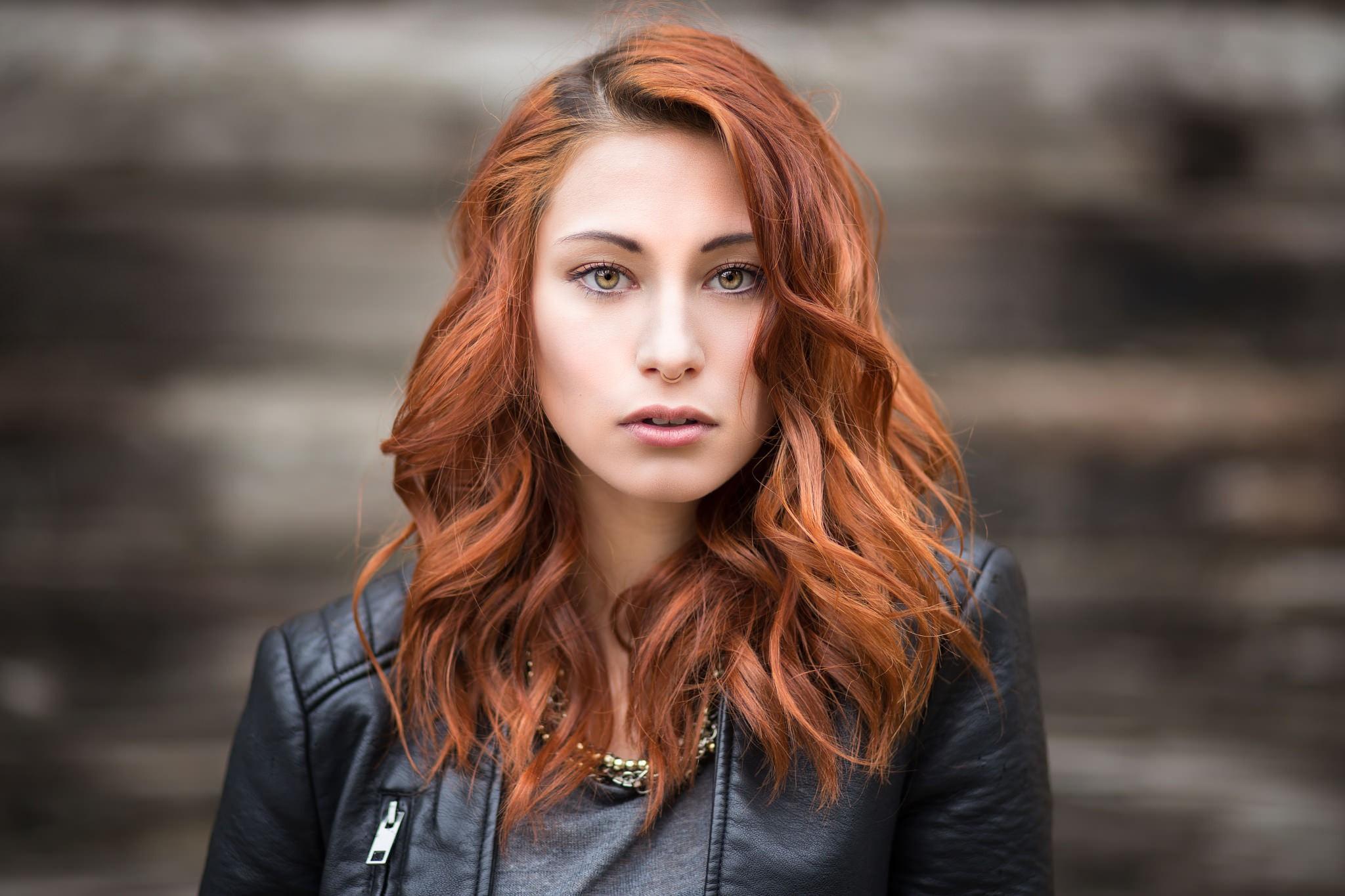 Victoria Ryzhevolosaya Background