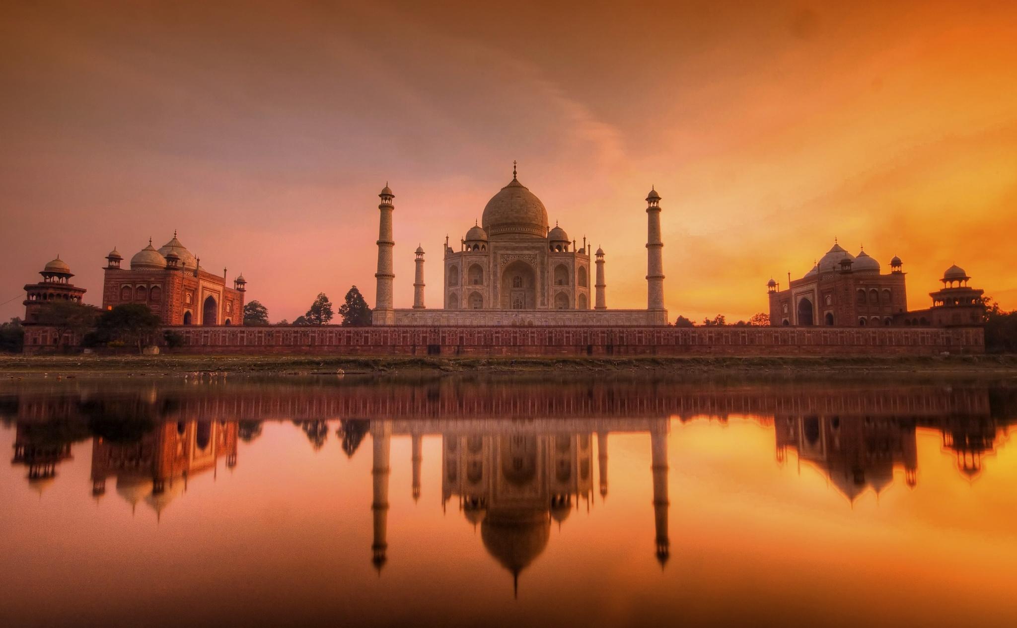 Taj Mahal At Night At Full Moon Nights