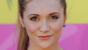 Alyson Stoner HD Wallpaper