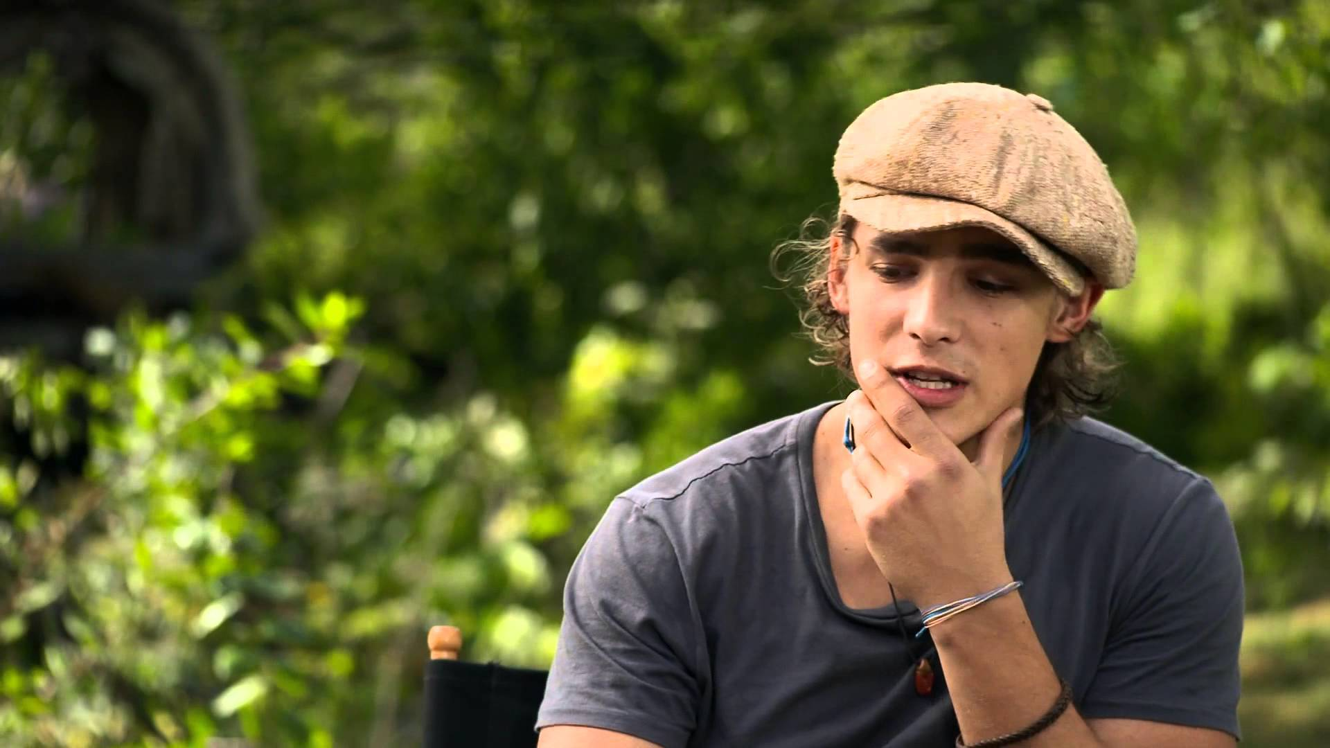 brenton thwaites wallpaper