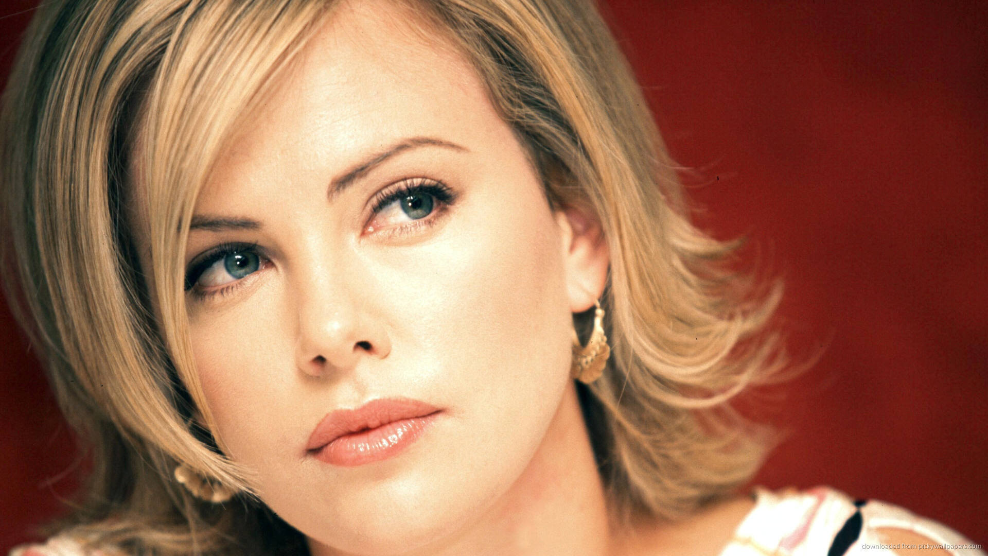 Charlize Theron Wallpapers Images Photos Pictures Backgrounds