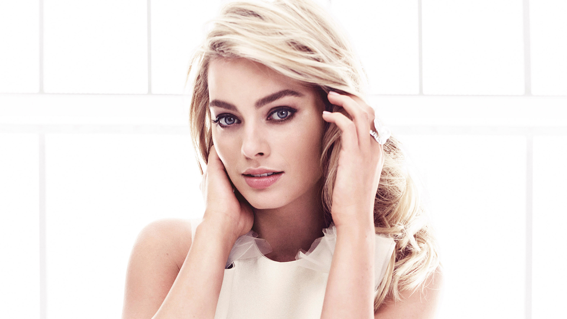 35e7860e1d Most Beautiful Margot Robbie Wallpaper