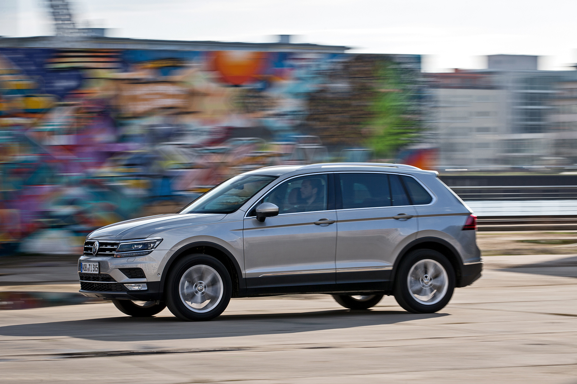 volkswagen tiguan 2016 wallpapers images photos pictures backgrounds. Black Bedroom Furniture Sets. Home Design Ideas