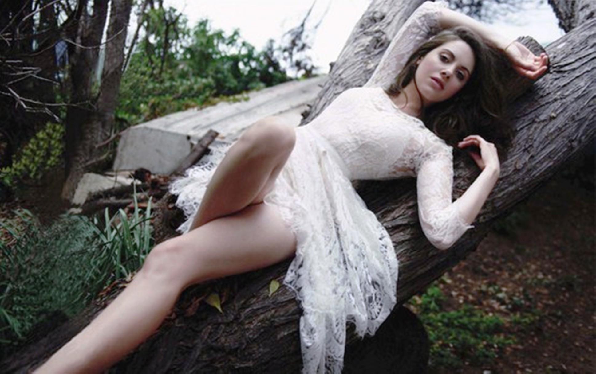 Alison Brie Download