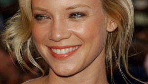 Amy Smart Images
