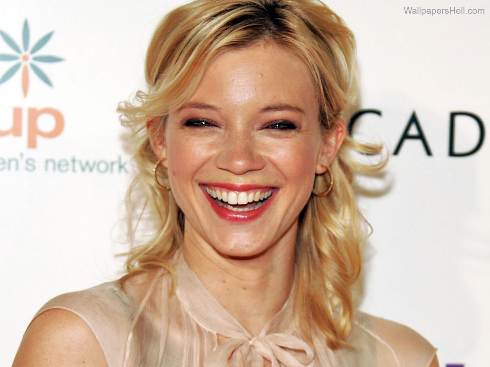 Amy Smart Wallpapers Images Photos Pictures Backgrounds Vanessa Hudgens Wiki