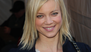 Amy Smart Wallpapers