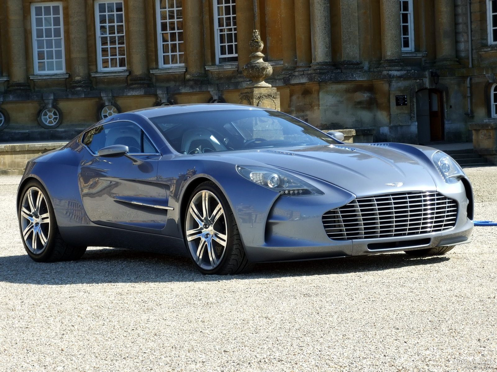 aston martin one 77 wallpapers images photos pictures backgrounds. Black Bedroom Furniture Sets. Home Design Ideas