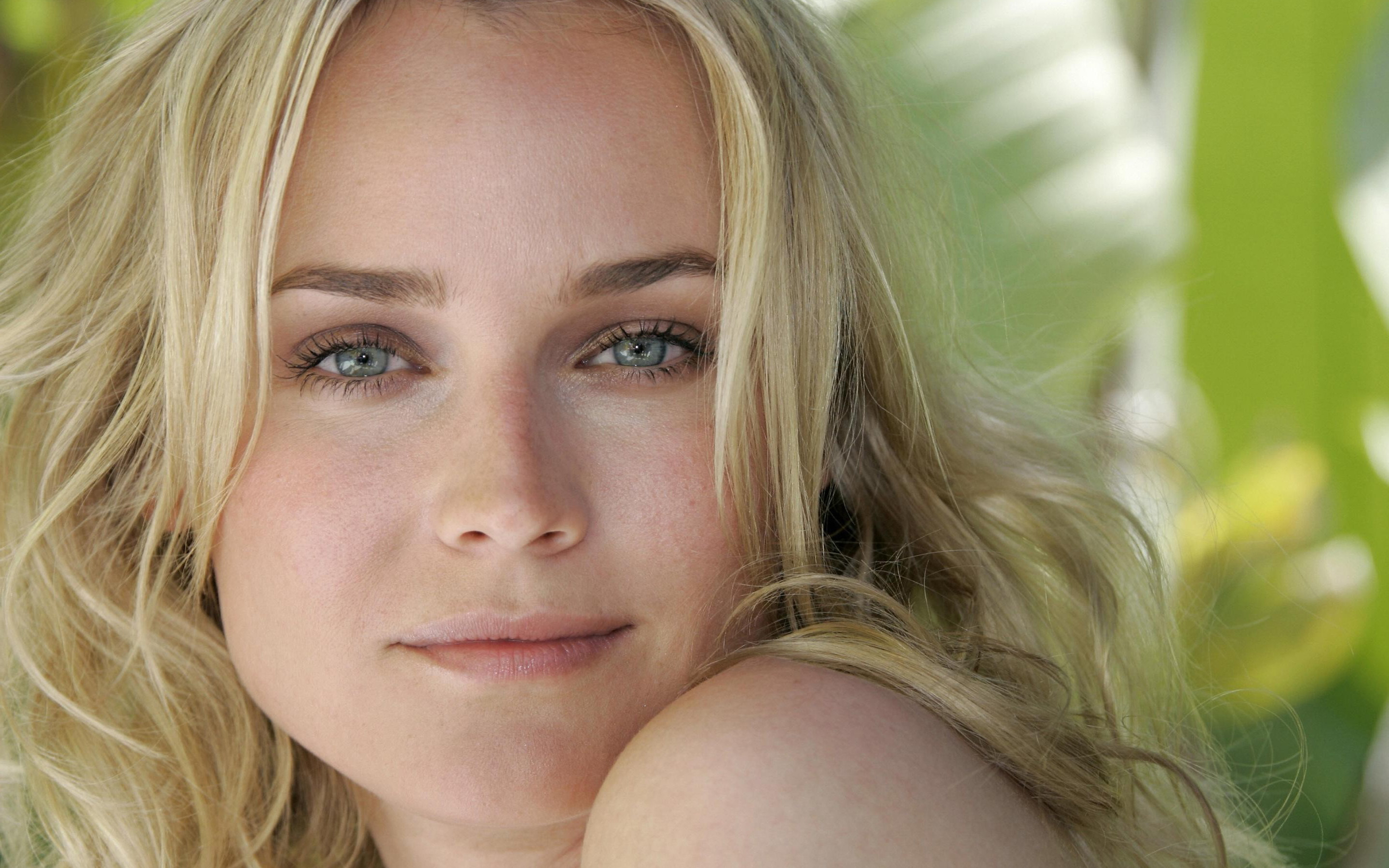 Diane Kruger Wallpapers Images Photos Pictures Backgrounds