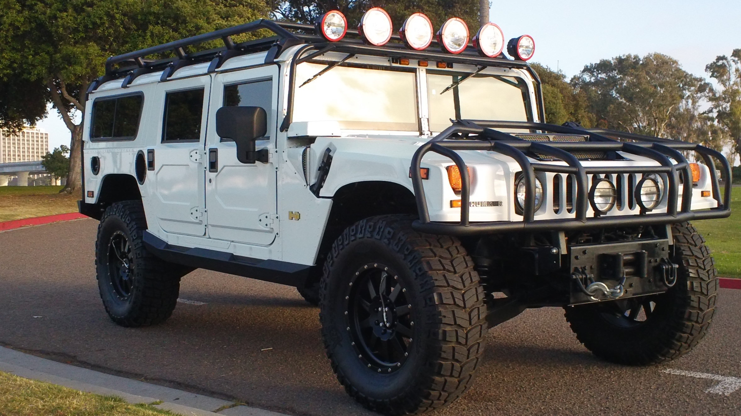 Hummer H1 Wallpapers Images Photos Pictures Backgrounds