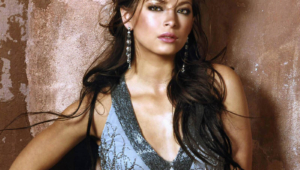 Kristin Kreuk Computer Backgrounds