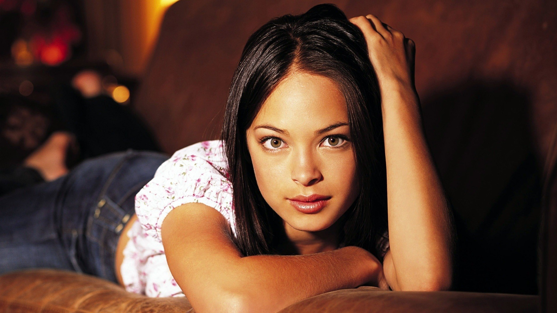 Kristin Kreuk Photos
