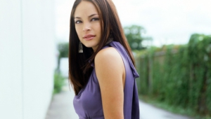 Kristin Kreuk New Wallpapers