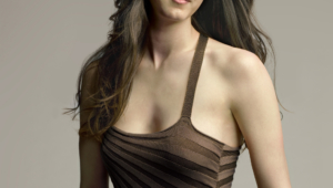 Madeline Zima Iphone HD Wallpaper