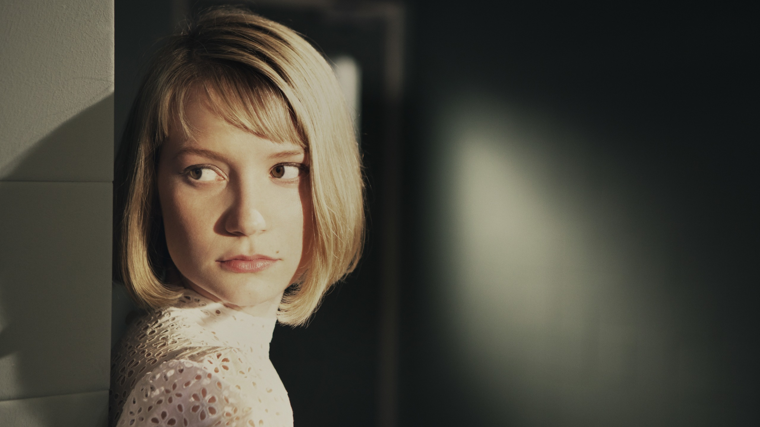 wallpaper mia wasikowska acting - photo #5
