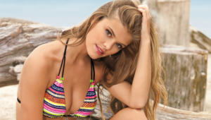 Nina Agdal Background