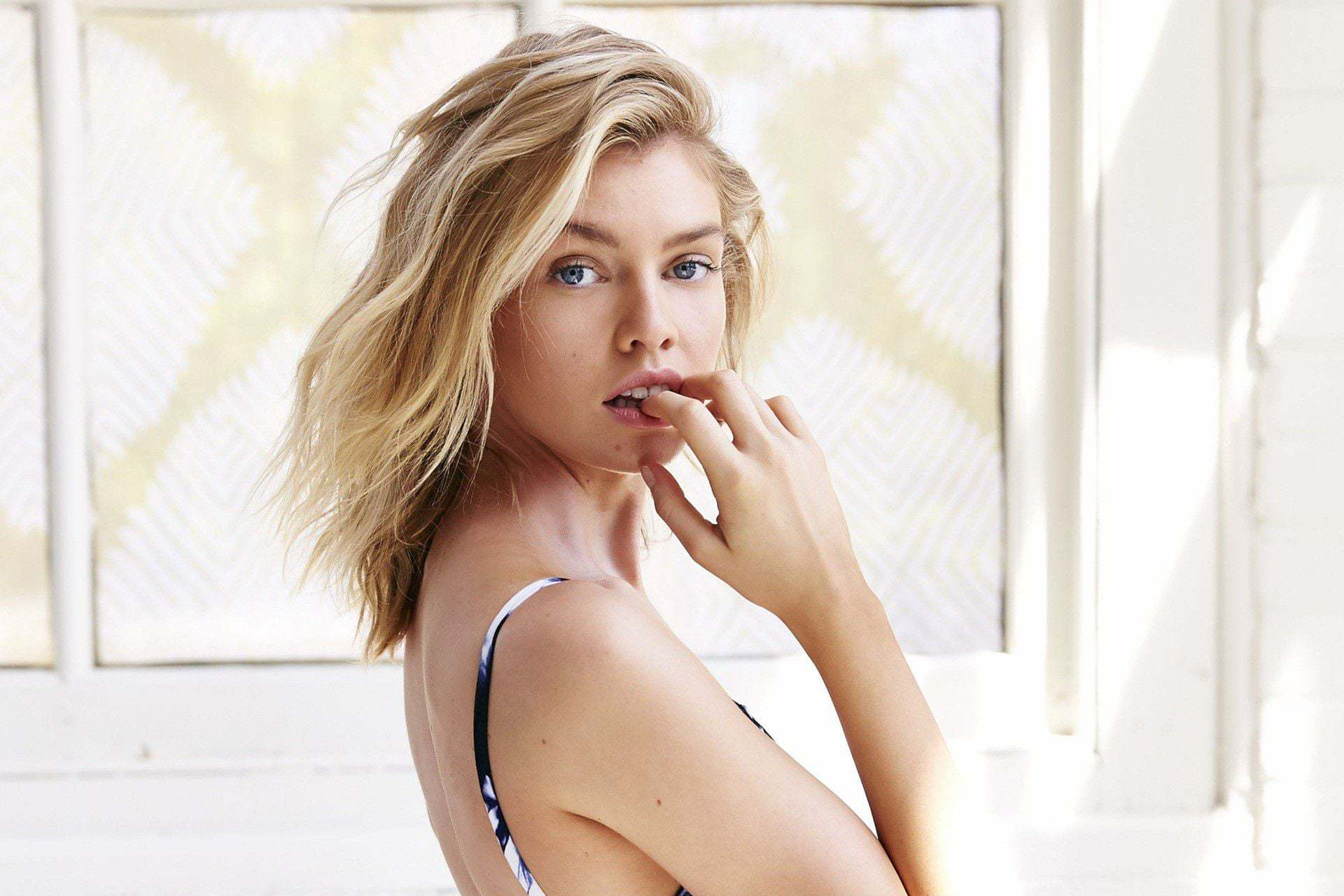 stella maxwell hd wallpapers high quality male models