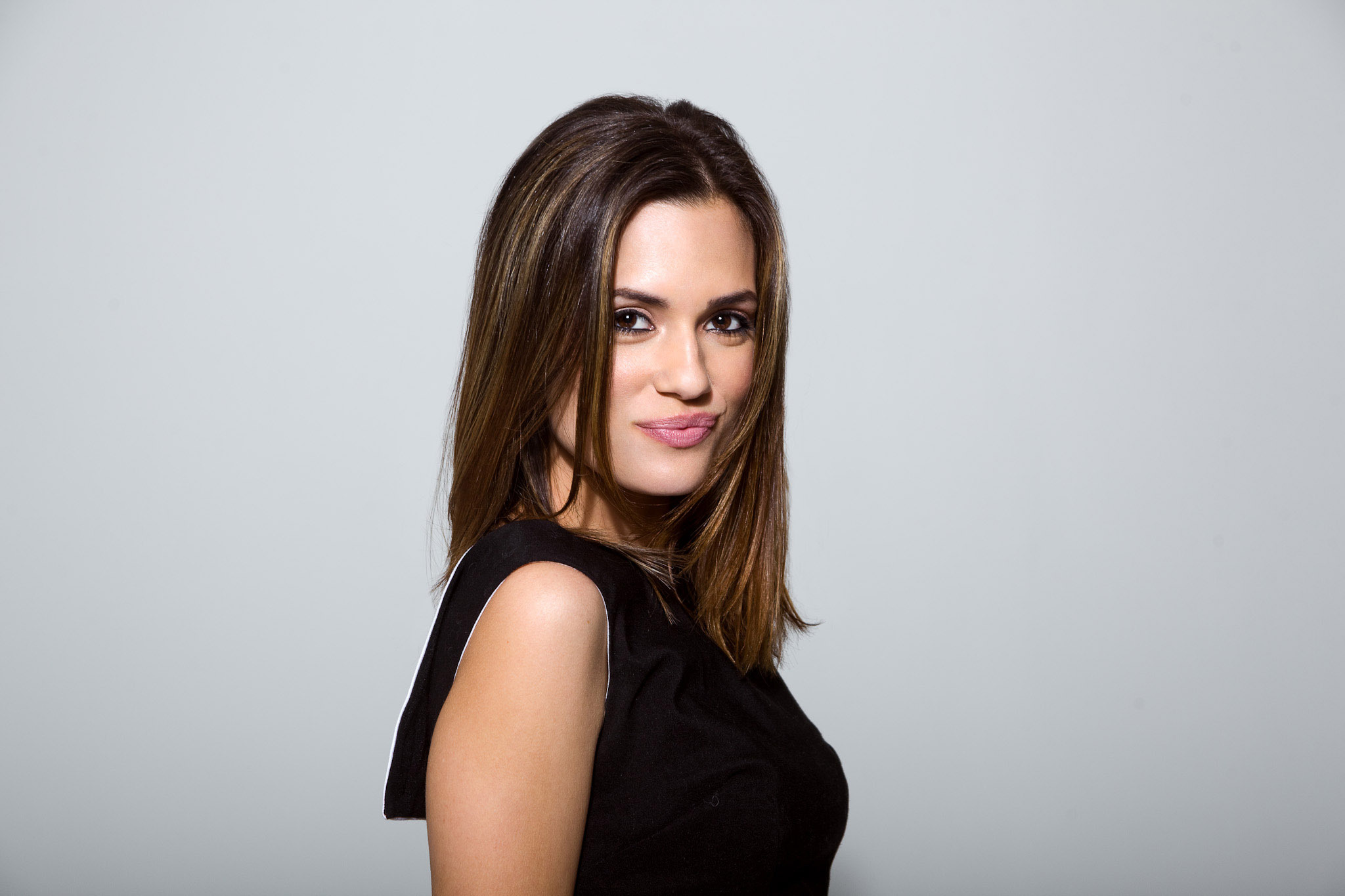 Torrey Devitto Wallpapers Images Photos Pictures Backgrounds