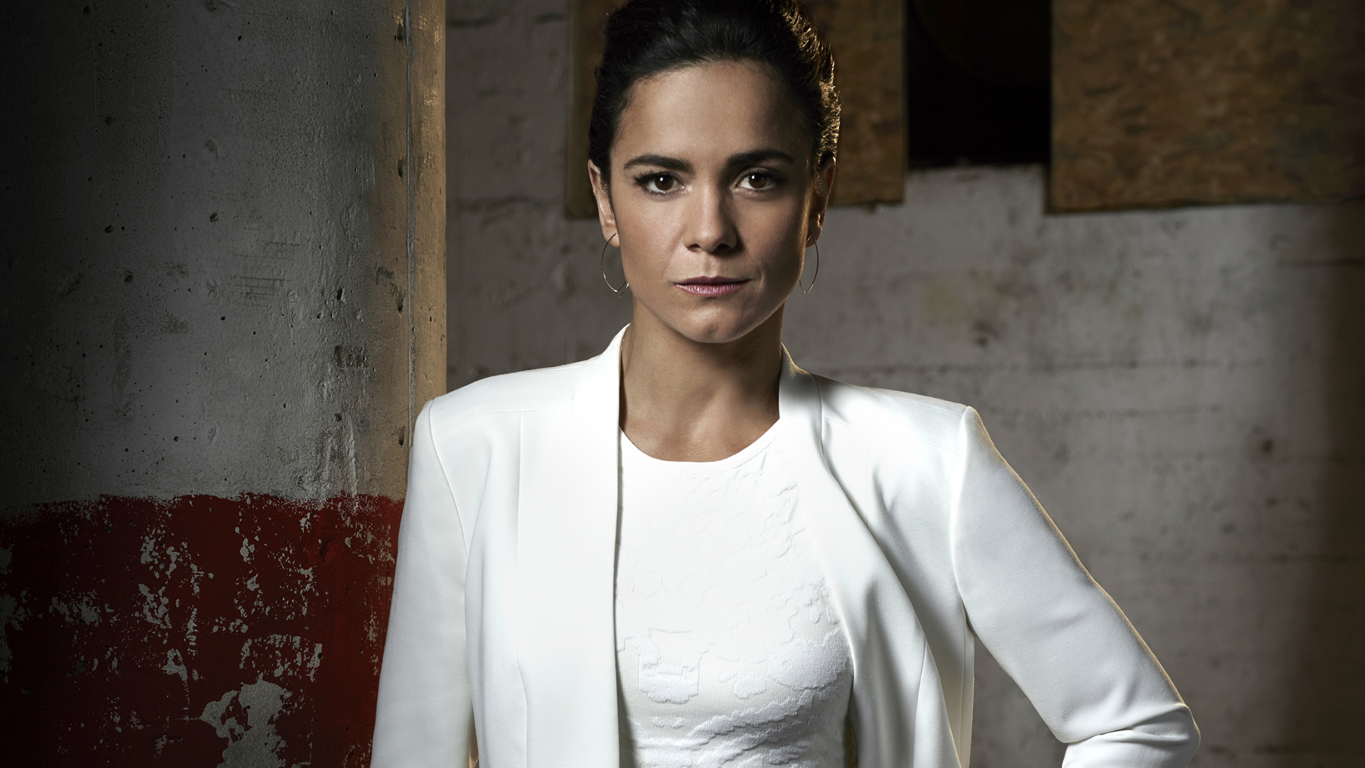 Alice Braga Wallpapers Images Photos Pictures Backgrounds