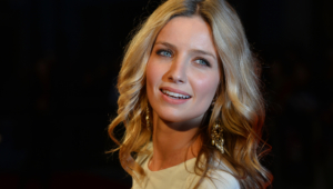 Annabelle Wallis Background