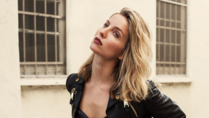 Annabelle Wallis For Desktop