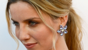 Annabelle Wallis Iphone Hd Wallpaper