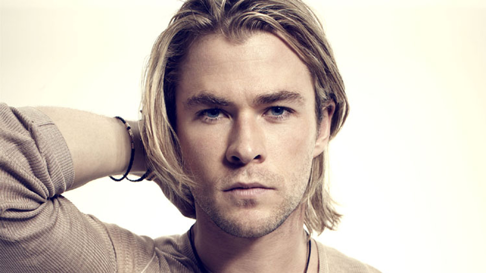Chris Hemsworth wallpapers High Quality Resolution Download