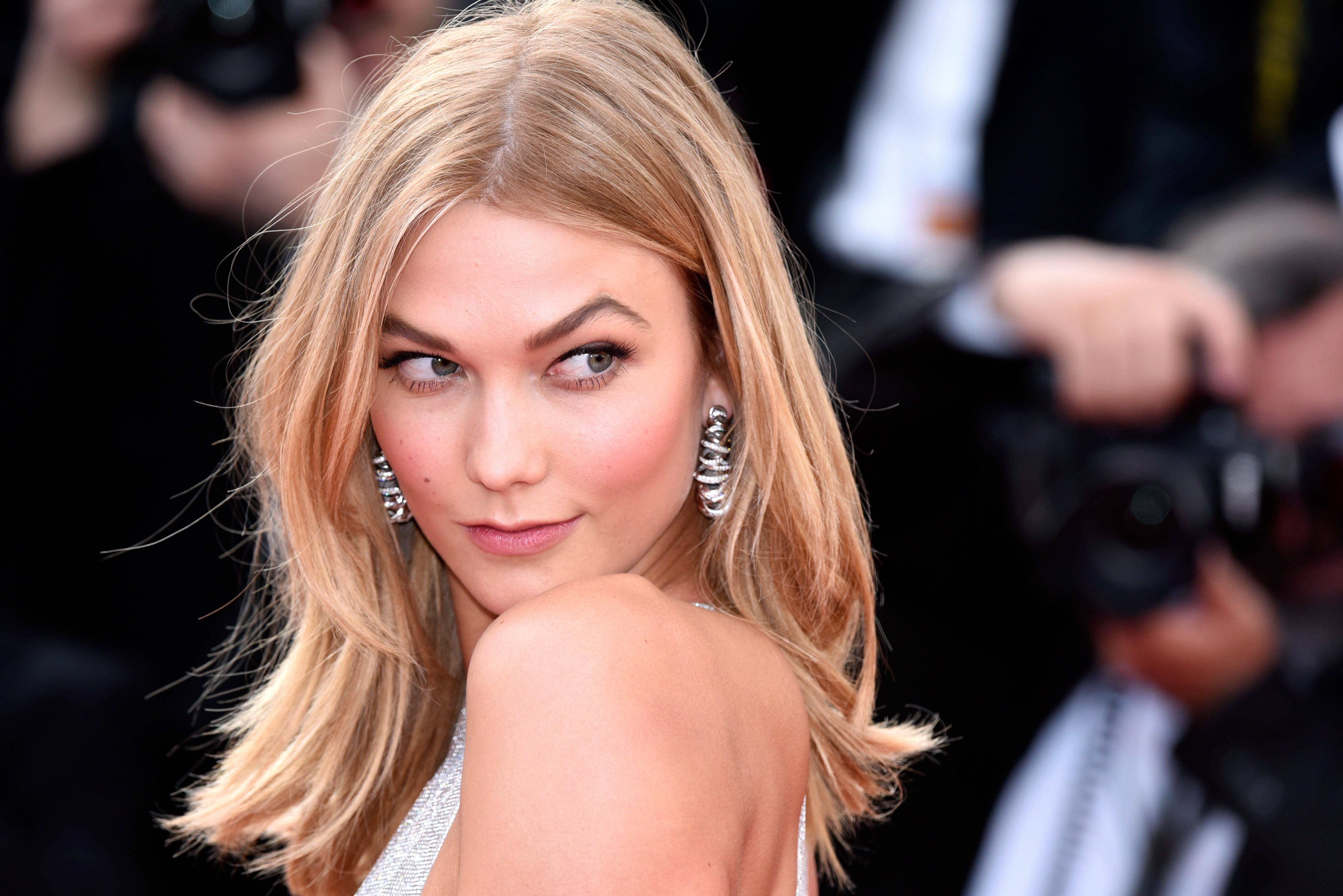 Karlie Kloss Wallpapers Images Photos Pictures Backgrounds