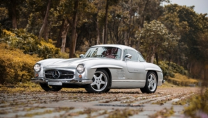 Mercedes Benz 300 SL Images