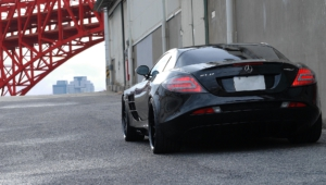 Mercedes Benz SLR McLaren For Desktop