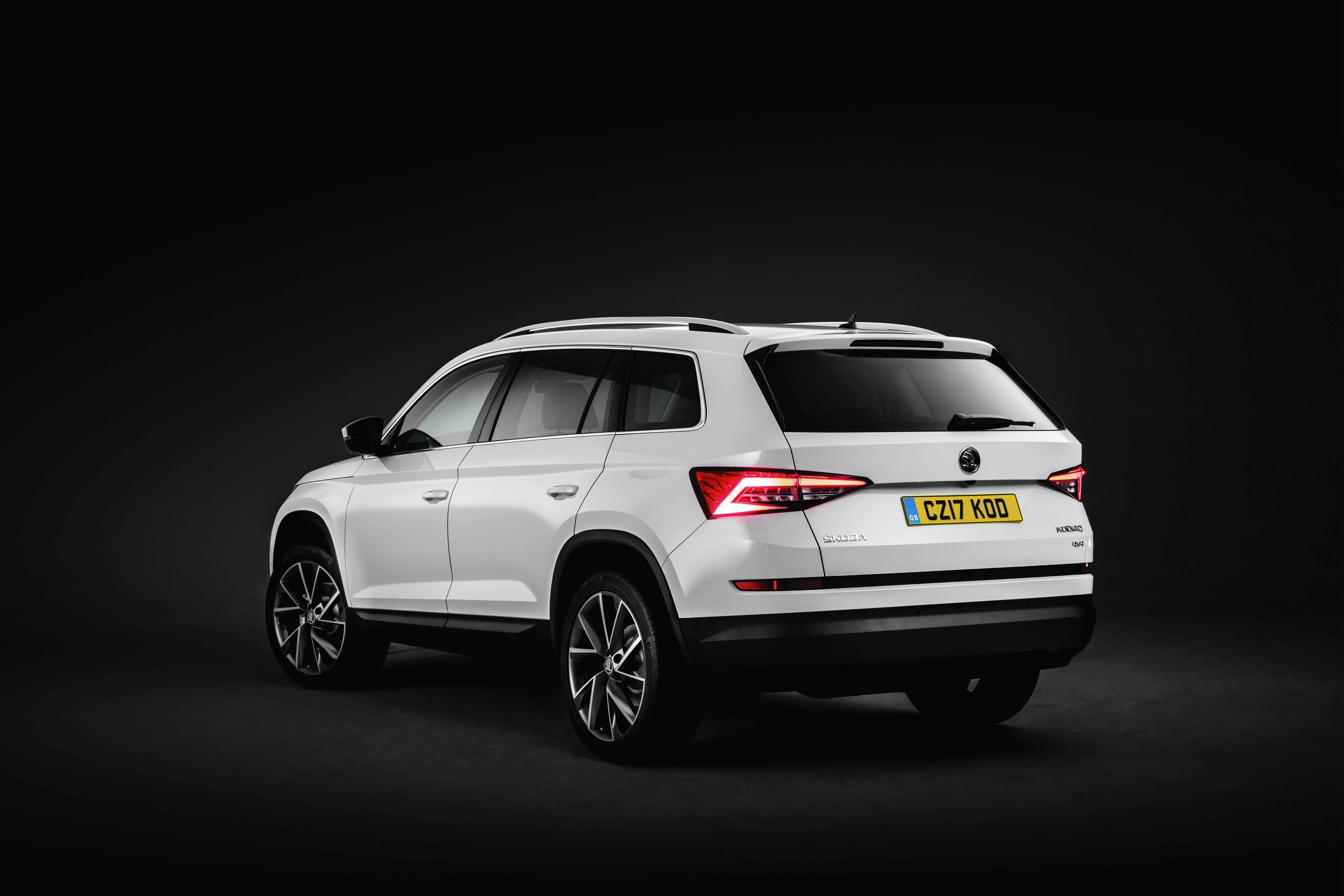 skoda kodiaq 2016 hd background. Black Bedroom Furniture Sets. Home Design Ideas