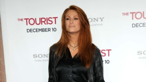 Angie Everhart HD Background