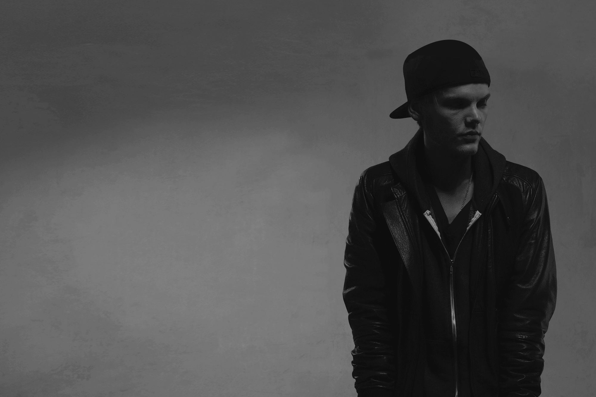 Avicii true wallpaper
