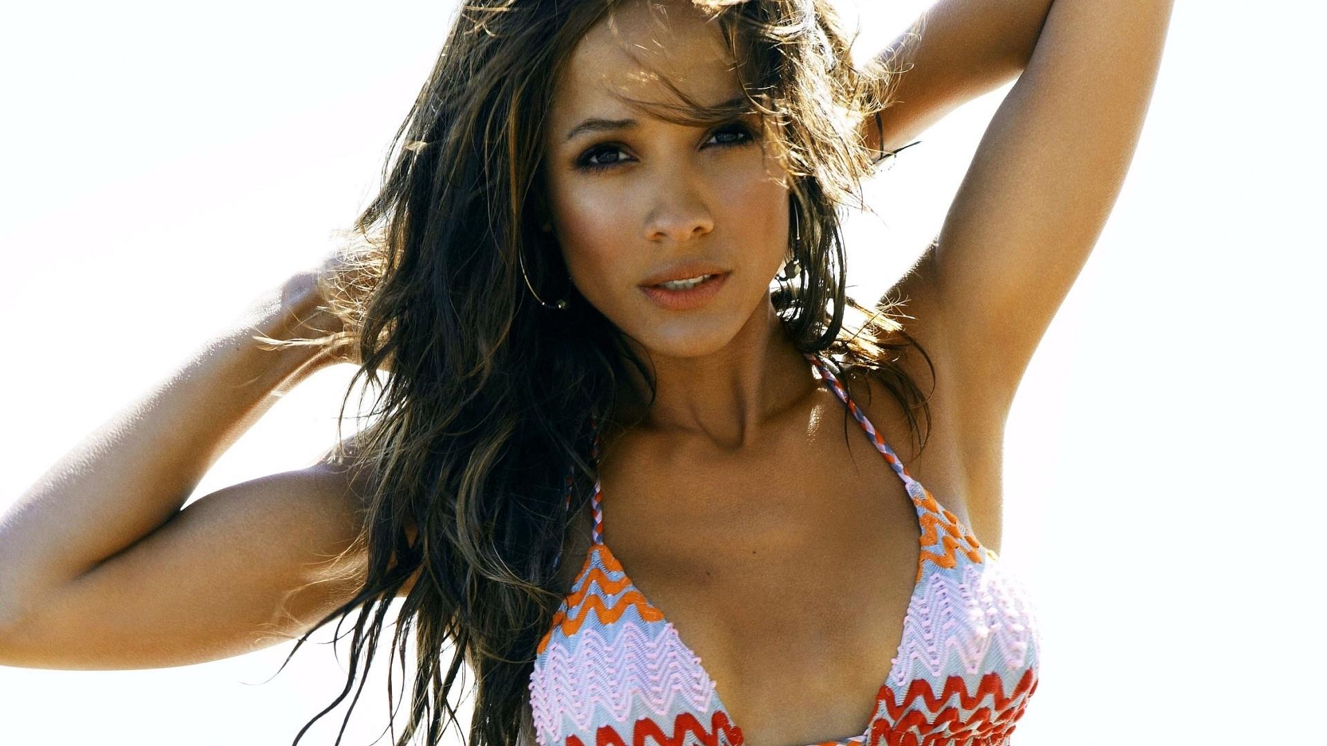 Dania Ramirez Nude Photos 48