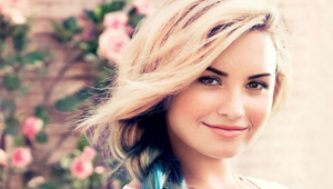 Demi Lovato Deskto