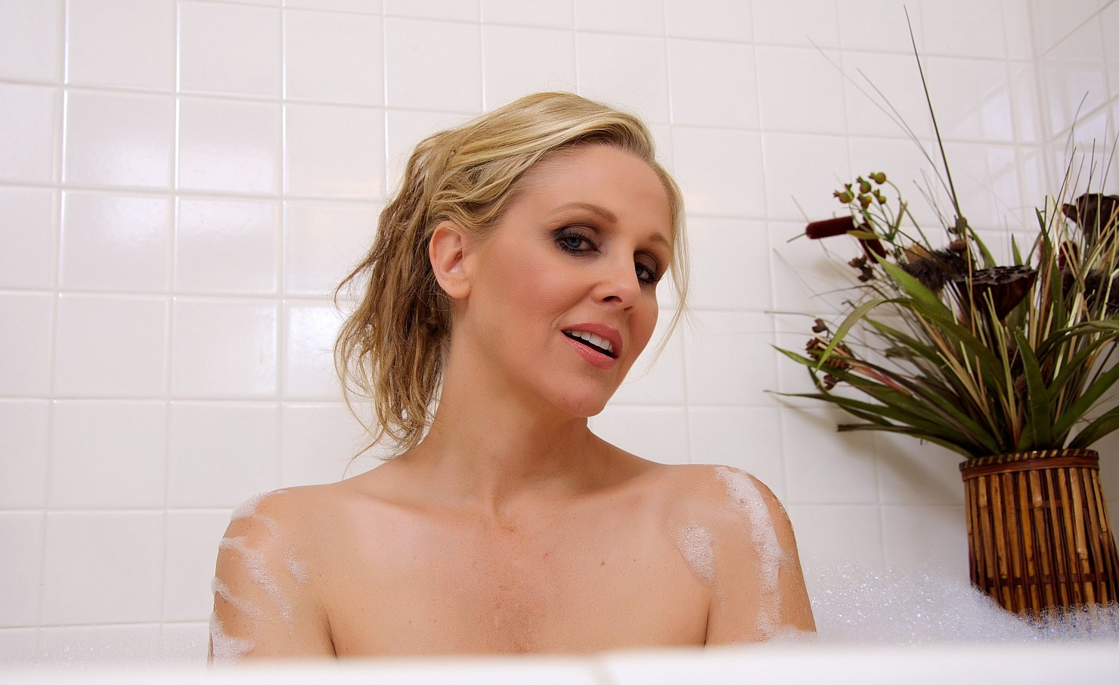 julia ann hd