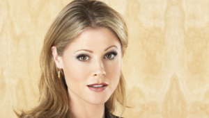 Julie Bowen Hd Background