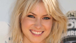 Laura Ramsey For Deskto
