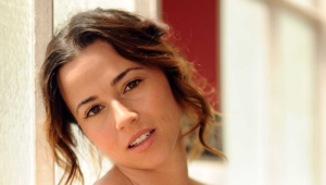 Linda Cardellini Wallpapers Hd