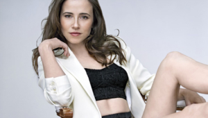Linda Cardellini For Desktop