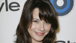 Linda Cardellini Full Hd