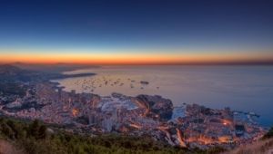 Monaco Deskto