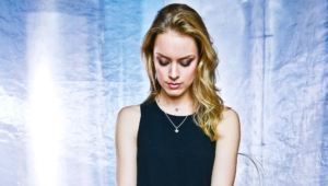 Rachel Skarsten HD Wallpaper